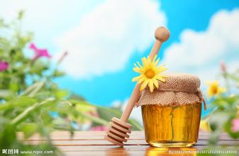 蜂蜜放时间长了为什么会有一股刺鼻的酒精味?