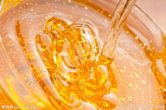 蜂蜜上面有一层白的泡沫是怎么回事