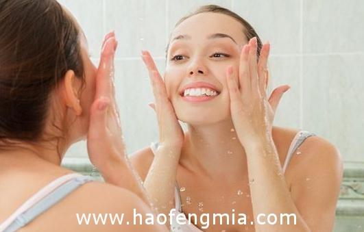 每天用蜂蜜水洗脸好吗