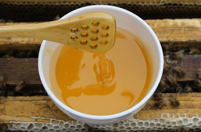 如何辨别真正的好蜂蜜