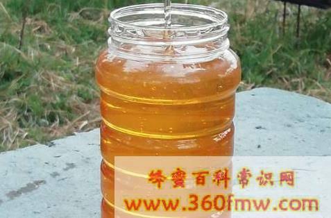 买回来的蜂蜜有白色泡沫正常吗