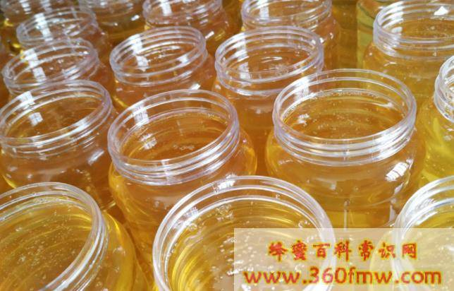 蜂蜜用水冲开后杂质多有害吗