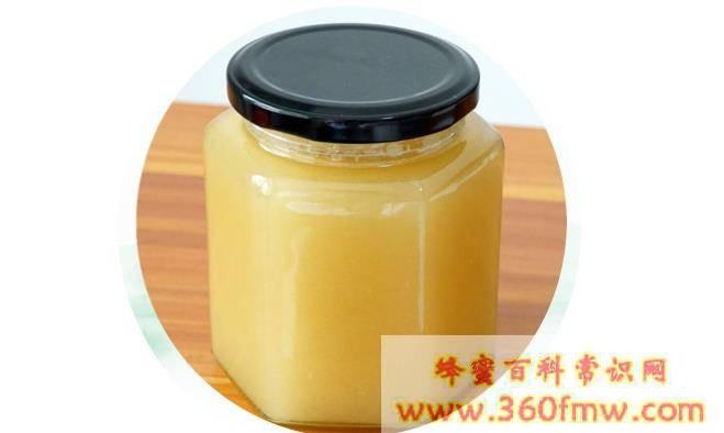 枇杷蜜的作用与功效有哪些?枇杷蜂蜜的作用与功效详解