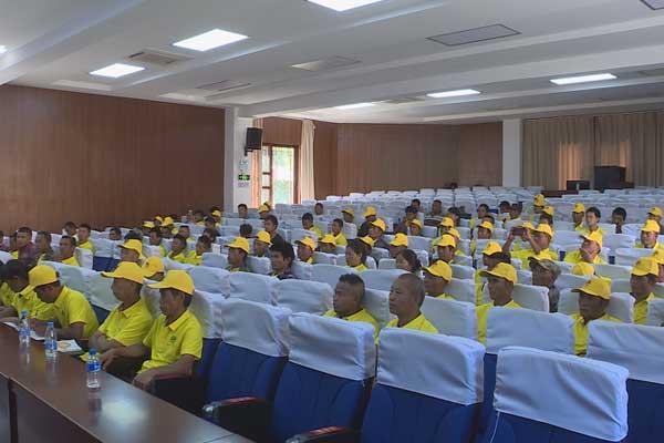 云南西盟养蜂产业科技扶贫:中蜂产业培训让蜂农得实惠