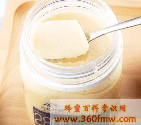 蜂蜜全部变成了白色的固体是怎么回事,应该如何食用