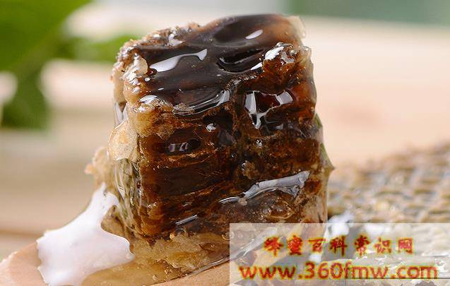 蜂蜜贵还是蜂巢蜜贵 蜂巢蜜贵不贵