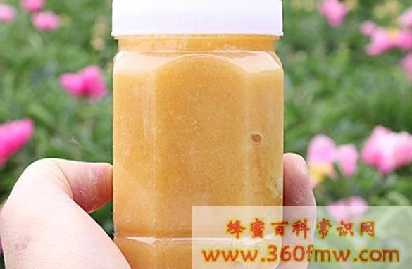 蜂蜜的沉淀物是什么,蜂蜜里的白色沉淀物