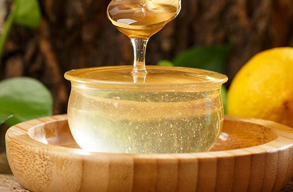 百合和蜂蜜能泡在一起喝吗?