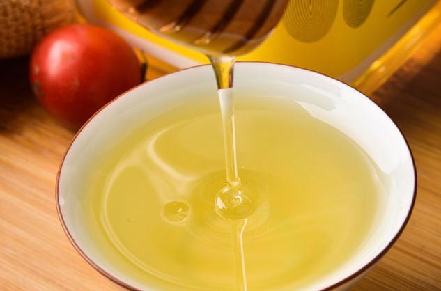 蜂蜜可以用开水冲泡吗?泡蜂蜜水能用开水吗?